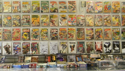 Comic Books & Graphic Novels