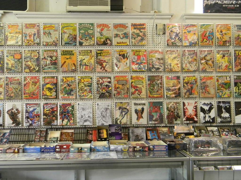 Comic Books & Graphic Novels